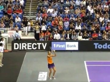 Sharapova bailando