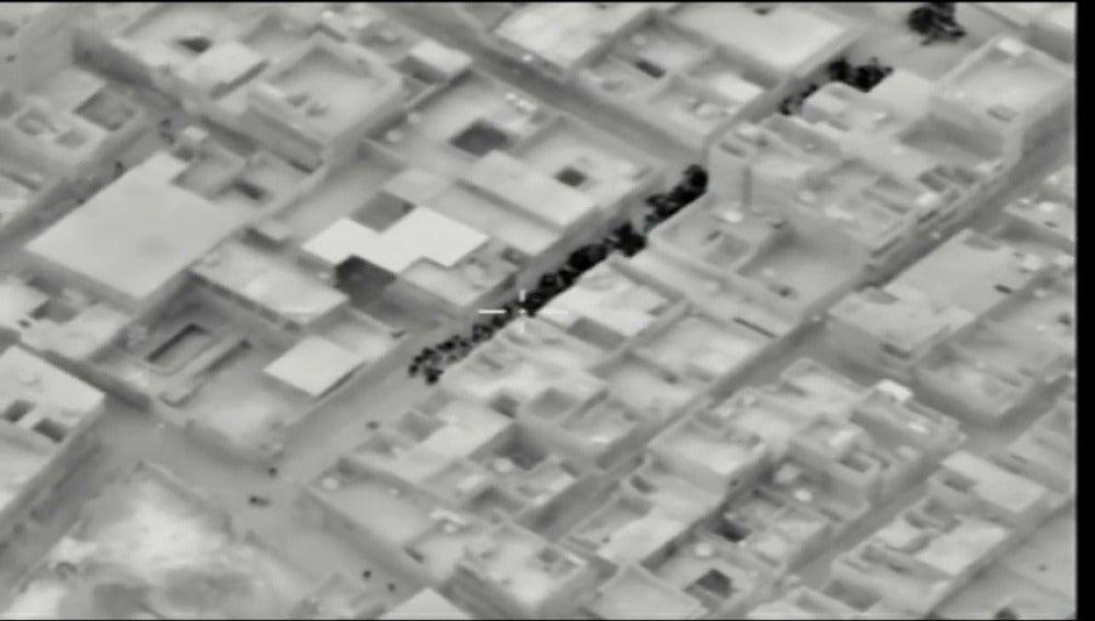 Frame 2.851505 de: Suspenden la evacuación de Alepo tras escucharse varias explosiones en la zona