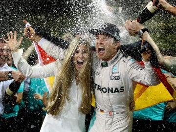 Rosberg disfruta de su Mundial