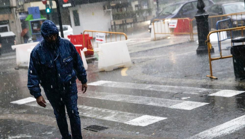 Calles cortadas por el temporal de lluvia