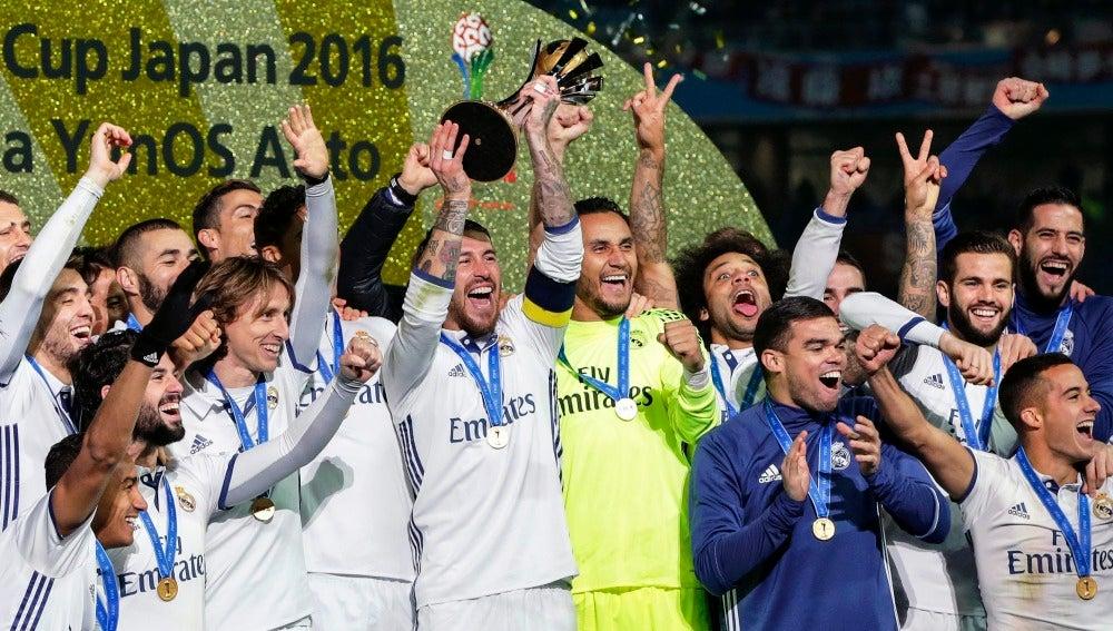 El Real Madrid celebrando el Mundial de Clubes