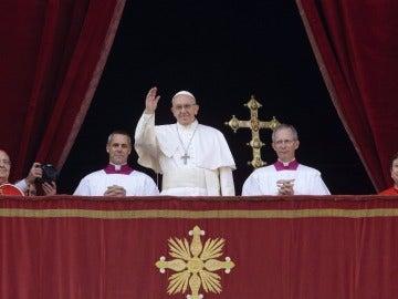 El Papa Francisco volvió hoy a sacudir las conciencias en el día de Navidad