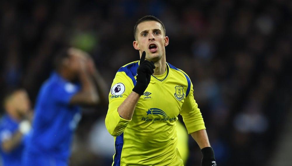 Kevin Mirallas celebra el 0-1 ante el Leicester