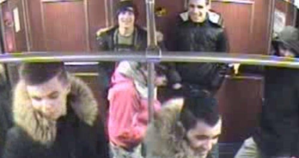 Jóvenes que intentaron quemar a un indigente en Berlín