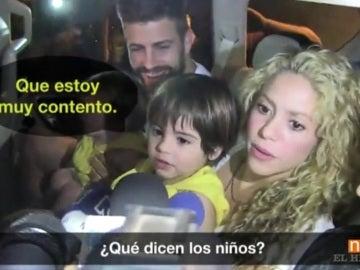Piqué y su familia a su llegada a Barranquilla