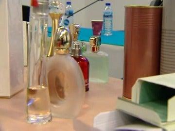 Frame 23.714201 de: Las falsificaciones cosméticas provocan pérdidas de casi mil millones de euros anuales