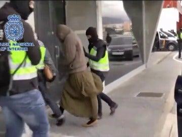 Frame 27.400747 de: Detenidas en Turquía dos españolas integradas en Daesh cuando regresaban de Siria