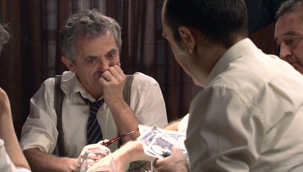 Quintero pierde hasta su casa en una timba de poker