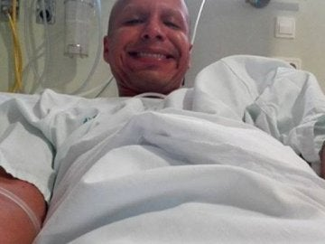 Frank Serpa en el hospital