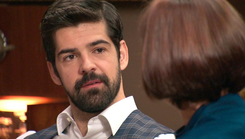 Alonso tantea a Marta tras saber que le ha sido infiel con Rafael