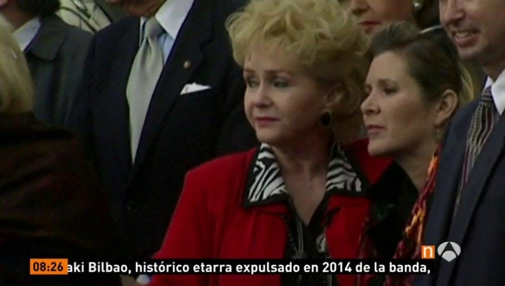 Frame 39.765134 de: Muere la actriz Debbie Reynolds un día después del fallecimiento de su hija Carrie Fisher