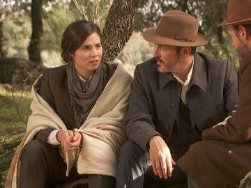 Emocionante reencuentro de María, Alfonso y Raimundo