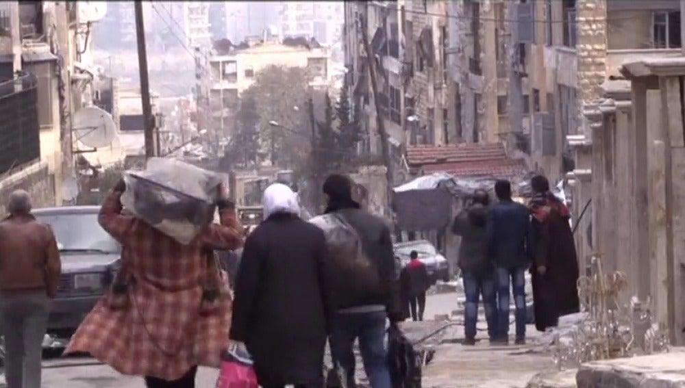 Frame 32.787765 de: Entra en vigor el alto el fuego para toda Siria pactado por Gobierno y oposición