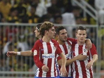 Los jugadores del Atlético de Madrid celebran uno de los goles contra el Al Ittihad
