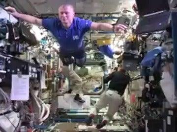 """Frame 0.0 de: La NASA se une al """"Mannequin Challenge"""""""