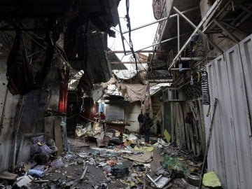 El doble atentado fue perpetrado por dos suicidas que detonaron los cinturones de explosivos