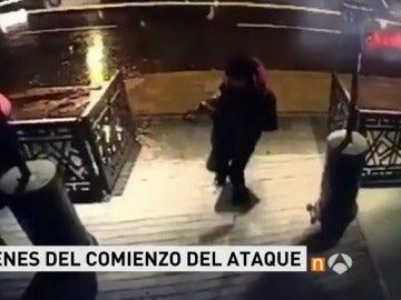 Así captaron las cámaras el comienzo del ataque contra la discoteca 'Reina' de Estambul en la fiesta de Nochevieja