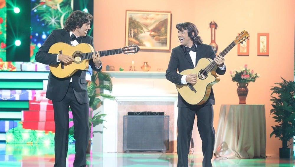 Canco Rodríguez y David Guapo traen el espíritu navideño a 'Tu cara me suena' con los mejores villancicos de Los Amaya