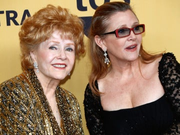 Debbie Reynolds y su hija Carrie Fisher