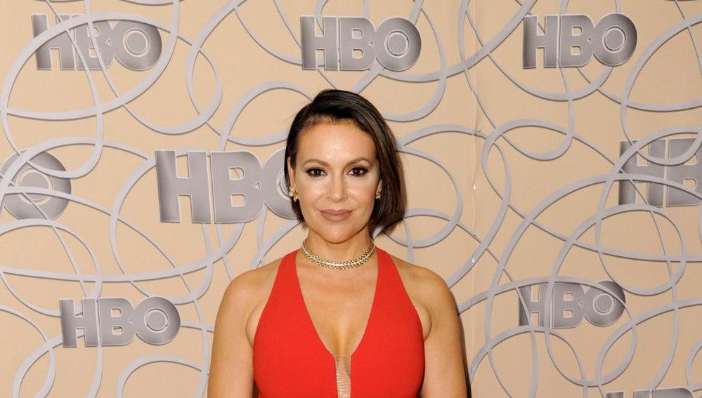 Alyssa Milano en la fiesta de HBO