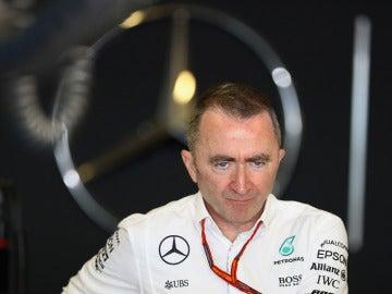 Paddy Lowe, en el box de Mercedes en Abu Dabi