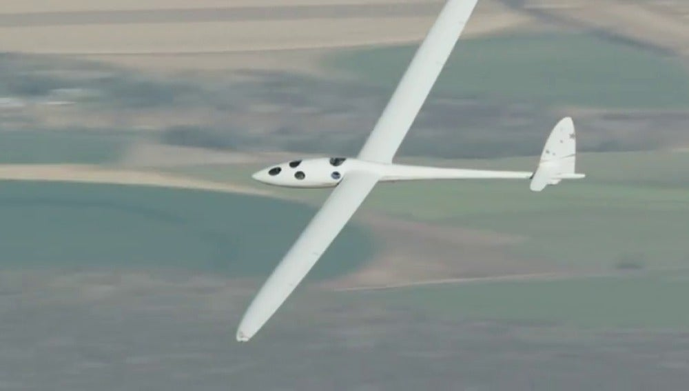 Frame 16.194671 de: Los aviones del futuro llegarán hasta la estratosfera, volaran a 30 mil metros de altura
