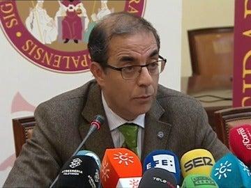 Frame 11.80328 de: El Rector de la Universidad de Sevilla resalta que la denuncia al catedrático condenado por abusos partió del centro