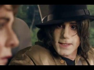 Frame 33.585274 de: ¿Quién se esconde tras Michael Jackson en la comedia 'Urban Myths'?