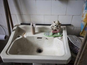Cuarto de baño sucio
