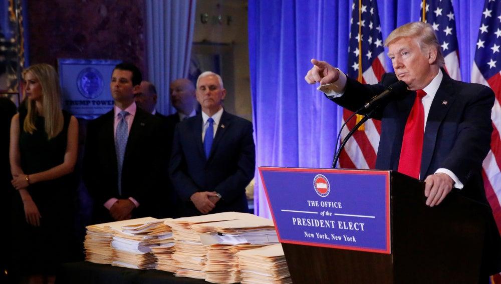 Donald Trump en la primera rueda de prensa como presidente electo