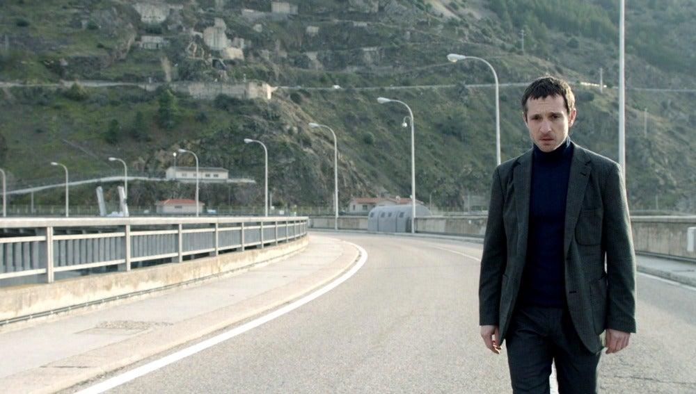 Álex visita el lugar donde murió Rodrigo
