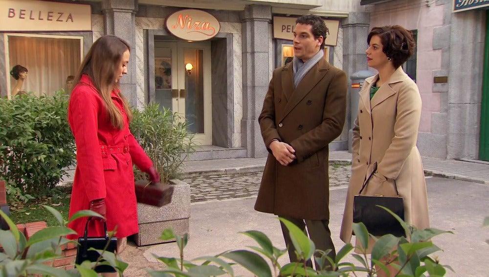 Marta celosa al ver a Alba con Rafael