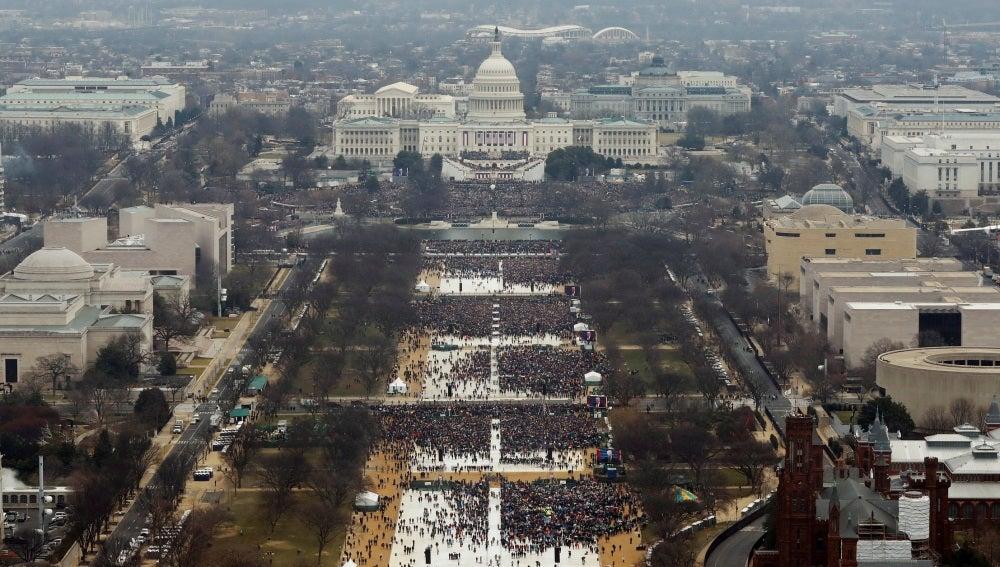 Miles de personas han acompañado a Trump