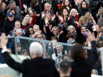 Asistentes a la ceremonia de Trump