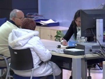Frame 15.2434 de: El Gobierno aprueba el procedimiento extrajudicial sobre las cláusulas suelo tras el acuerdo con el PSOE