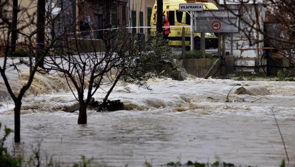 La localidad de Vilafranca ha quedado incomunicado por las inundaciones