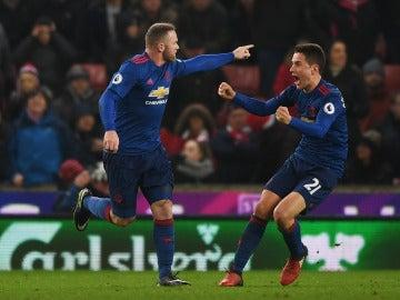 Rooney celebrando su gol frente al Stoke City