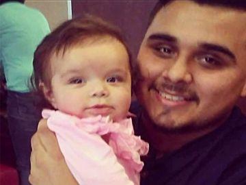 Un padre rompe 25 huesos a su bebé de dos meses
