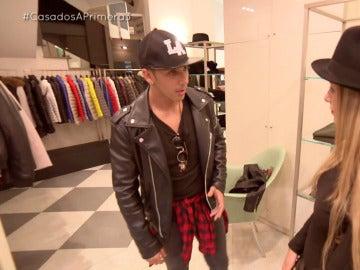 Mónica saca de quicio a Jordi con su obsesión por las compras