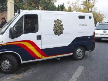 Un furgón de la Policía Nacional