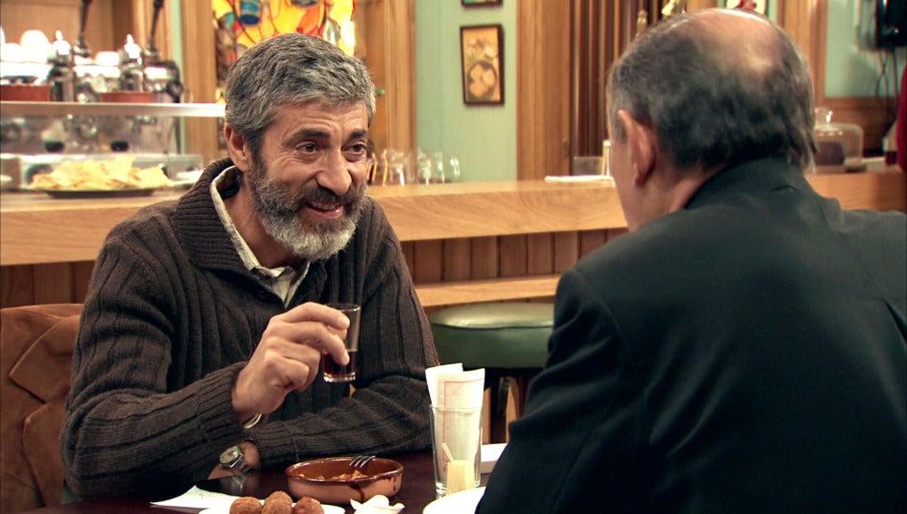 Esteban y padre Argimiro, un reencuentro entre amigos muy esperado