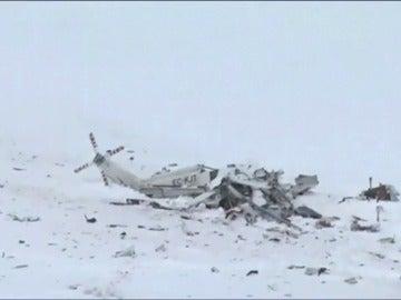 Frame 1.035194 de: Seis muertos en el accidente de un helicóptero de rescate en el centro de Italia