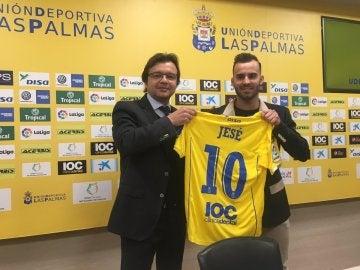 Jesé con el presidente de Las Palmas en su presentación