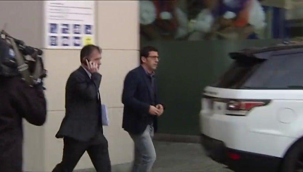Frame 28.841663 de: Detenido el presidente del Puerto de Barcelona y varios cargos de CDC por financiación ilegal