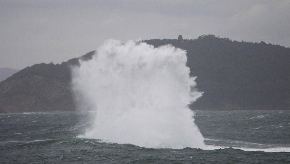 Olas de más de 10 metros de altura en Galicia