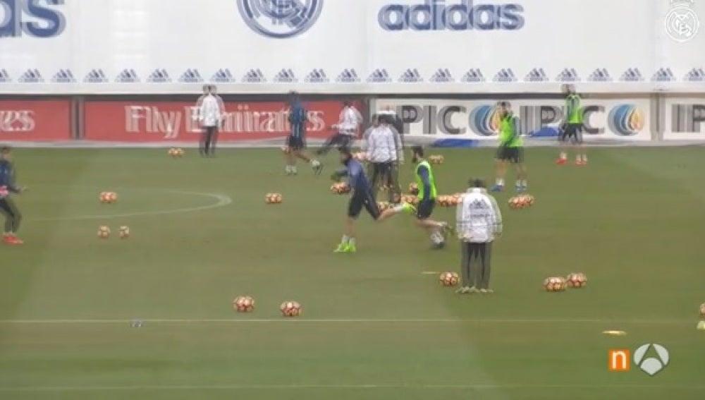 Gol de volea de Cristiano en el entrenamiento