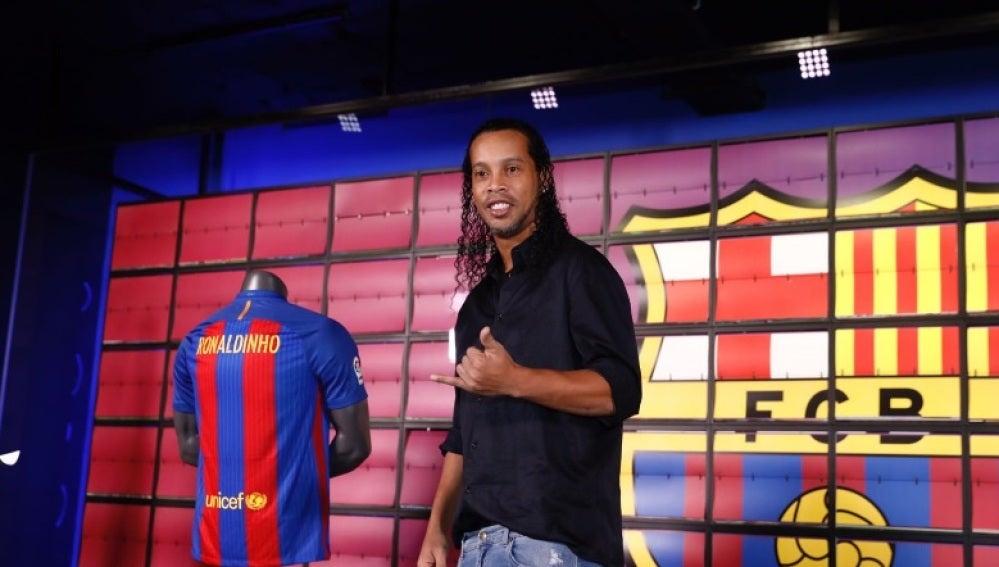 Ronaldinho, en su presentación como embajador del Barcelona