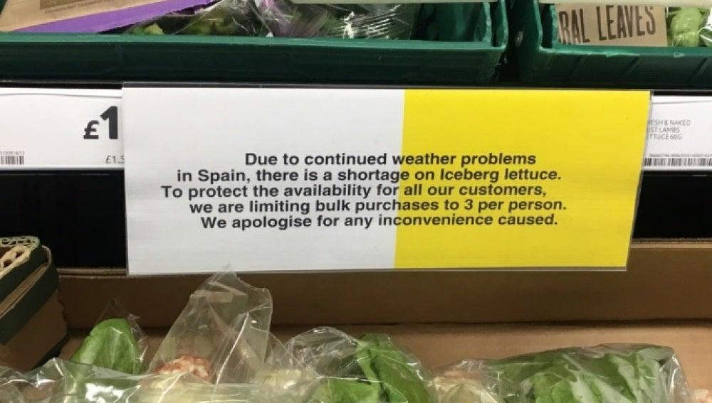 El cartel que han colgado muchos supermercados británicos