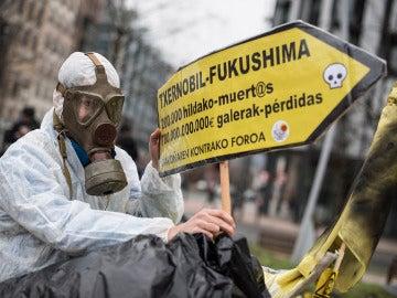 El Foro contra Garoña ha convocado una concentración ante la sede central de la compañía Iberdrola en Bilbao (04-02-2017)