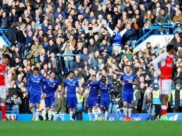 Hazard celebra su gol ante el Arsenal